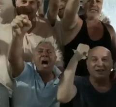 VIDEO de senzatie la Craiova. Cirtu, in recital cu prietenii sai. Nu a mai tinut cont de distantarea sociala