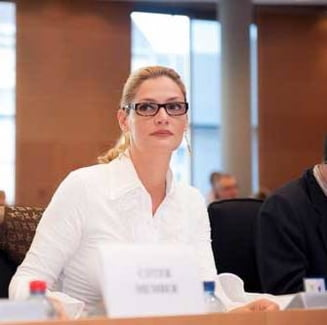 Va reusi Ramona Manescu sa rezolve problemele de la Transporturi? - Sondaj Ziare.com