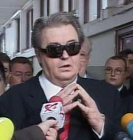 Vadim: Basescu vrea sa transforme Parlamentul intr-o garsoniera