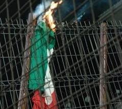 Vadim Tudor vine cu o varianta noua in cazul drapelului incendiat al Ungariei