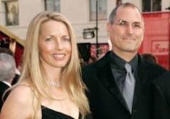 Vaduva lui Steve Jobs a vorbit pentru prima data despre moartea sotului