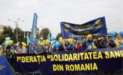 Val de proteste in Bucuresti si in tara. Sindicalistii din sanatate, Politie si CFR ies in strada