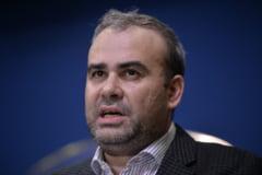 """Valcov a fost amendat cu 1.000 de lei pentru discriminare, dupa ce l-a facut """"sandilau"""" pe un protestatar"""