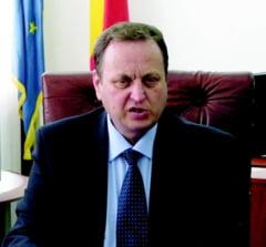 """Valentin Iliescu vrea sa intoarca """"macar punctual"""" Opozitia in Parlament"""