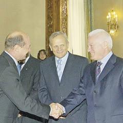 Valeriu Stoica: Nu stiu cu cine se antreneaza Traian Basescu, dar joaca bine