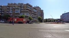 Valiza abandonata langa un centru comercial din Deva. Magazinul a fost evacuat in totalitate