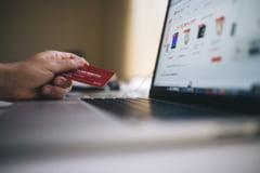 Valoarea tranzactiilor de plata cu carduri a crescut cu 9,3%, de la inceputul pandemiei
