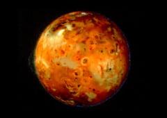 Valuri uriase de lava pe unul dintre satelitii lui Jupiter