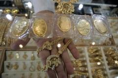 Vamesii bulgari au confiscat 2,5 kg de bijuterii de la 4 romani care mergeau in Turcia