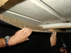 Vamesii din PTF Siret surprinsi de ingeniozitatea contrabandistilor. Vezi unde au fost ascunse mii de pachete de tigari