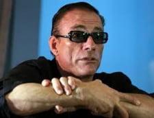 Van Damme se afla in Romania - si-a adus patul de acasa