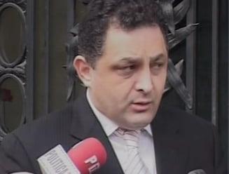 Vanghelie: Basescu mananca multa salata si papadie