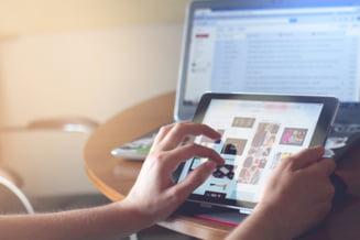 Vanzari de 50% mai mari la laptopuri, tablete si camere web odata cu redeschiderea scolilor
