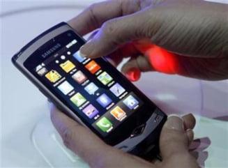 Vanzarile de smartphone-uri vor depasi piata de PC-uri in doi ani