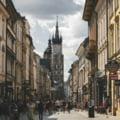 """Varşovia vrea să rămână în UE, asigură premierul Poloniei, la o zi după o decizie istorică a justiţiei care ar putea conduce la """"Polexit"""""""