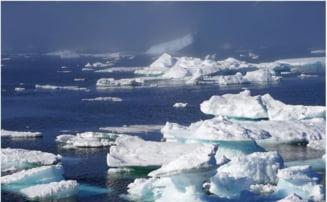 Vara istorica in Groenlanda. S-a pierdut o cantitate record de gheata. Cu cat a crescut nivelul marii
