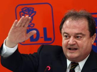 Vasile Blaga, favorit la presedintia PD-L - sondaj