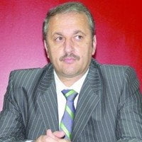 Vasile Dancu: Istoria ne surprinde mereu cu pantalonii in vine