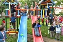 Vasile Lup a inaugurat locurile de joaca pentru copii