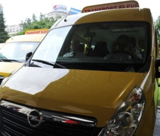 Vaslui: Un sofer cu elevi in microbuzul scolar a fost prins baut la volan