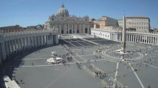 Vaticanul a decis: Painea fara gluten nu e buna la impartasanie. OMG -uri se accepta