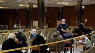 Vaticanul a inceput vaccinarea anti-COVID a persoanelor fara adapost din Roma