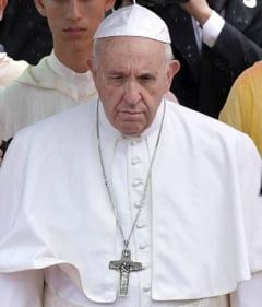 Vaticanul ia in discutie posibilitatea de a permite barbatilor casatoriti sa devina preoti