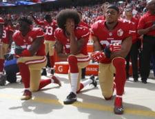Vedete din fotbalul american, protestand impotriva lui Donald Trump