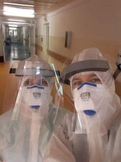 Venituri mai mari pentru angajatii din sistemul medical care lucreaza cu pacienti COVID. Sporul de risc, majorat pana la 85 la suta
