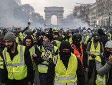 Vestele galbene: Numarul protestatarilor de la Paris este in descrestere