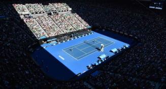 Vesti bune de la Australian Open: Romancele continua cursa