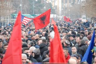 Veteranii de razboi din Kosovo au blocat o sosea, pentru a impiedica o vizita a presedintelui sarb