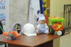 Vezi ce cadouri au primit la final de campanie concurentii electorali din R. Moldova