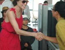 Vezi cu cate calorii supravietuieste zilnic Angelina Jolie