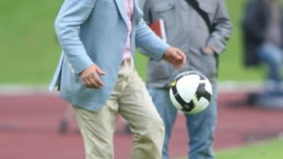 Vezi cum arata Steaua lui Becali: Ovidiu Petre fundas si Dayro Moreno la mijloc