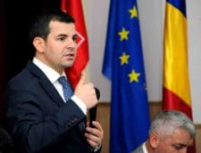 Vicepremierul Constantin acuza ca multi romani din diaspora au de gand sa blocheze sectiile de vot spre seara