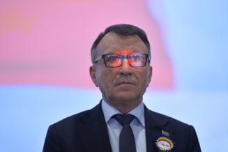 Vicepremierul Stanescu: Daca 4.000 de oameni din Piata Victoriei reusesc sa faca legea, e o mare greseala