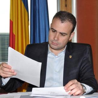 Victor Ponta: Darius Valcov si-a dat demisia