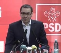 """Victor Ponta a primit premiul """"Politicianul anului"""""""