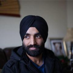 Victorie pentru un capitan din armata SUA: A primit permisiunea de a purta turban si barba