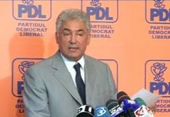Videanu il acuza pe Ponta ca face presiuni pe justitie si ii reaminteste de Grivco