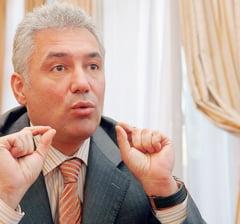 Videanu il ataca pe Oprescu: A jucat rolul unui administrator de bloc
