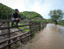 Viitura de pe raul Prut a ajuns in Romania. Cota de pericol, depasita cu doi metri