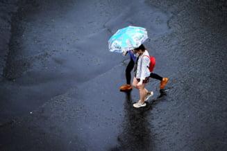 Vijelii puternice, ploi torențiale și grindină: vântul ajunge la 100 de kilometri pe oră. Singurele două județe ocolite de vremea rea