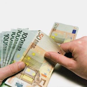 Vile de vacanta pe banii UE pentru baietii destepti?