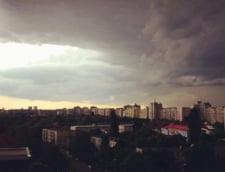 Vine furtuna in Bucuresti: Firea inchide scolile si cere, cu cateva ore inainte de vijelie, sa fie toaletati copacii si asigurate acoperisurile