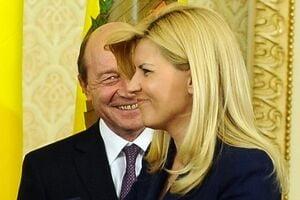 Vine marea schisma Basescu - Udrea? (Opinii)