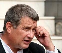 """Vinul lui Dinescu l-a facut pe Iliescu """"mai frumos si mai destept"""""""