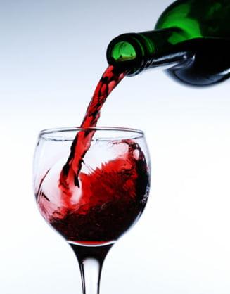 Vinul poate proteja de dementa