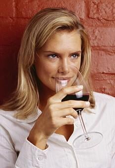 Vinul rosu - beneficii si dezavantaje - Alimente controversate - TopSanatate